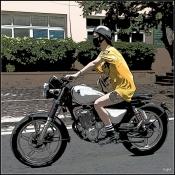 La fille à la moto