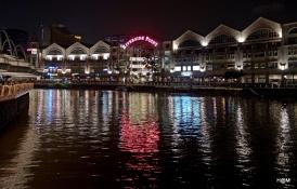Vue sur Riverside, de nuit